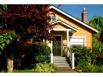 Charming 2 Bedroom Cottage near Mt. Tabor