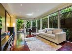 SOUTH YARRA - BIG! 3 BDR Townhouse