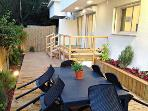 New 2BR Garden apartment 30 Sec from Gordon beach