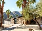 Zen Inspired Sanctuary, Pool, Spa, Sleeps 4