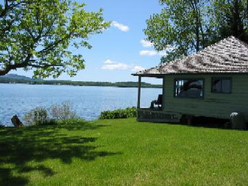 Teahouse Cottage and proximity to water.