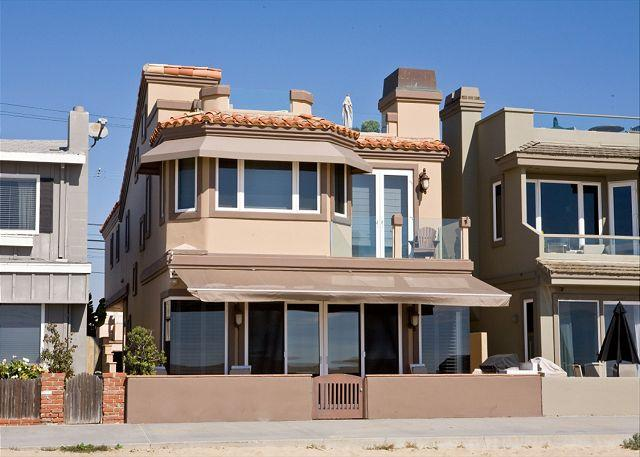 Luxury Oceanfront Single Family Home! Rooftop Deck! Incredible Views! (68168) - Image 1 - Newport Beach - rentals