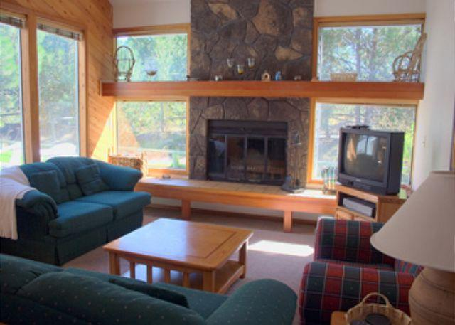 Living Room - Connect with Nature - Sunriver - rentals