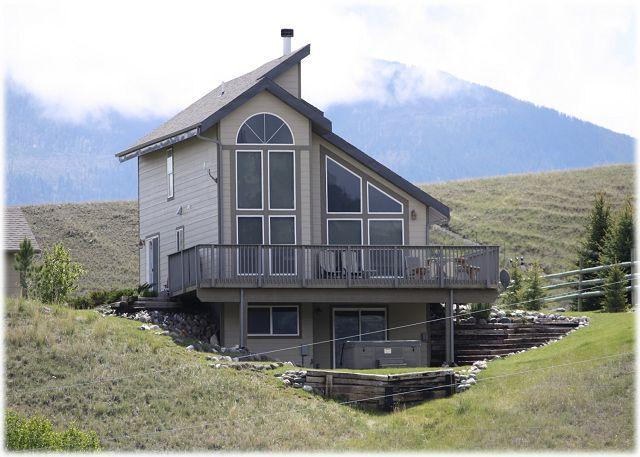 Beautiful home on the Yellowstone River with gorgeous views of the mountains