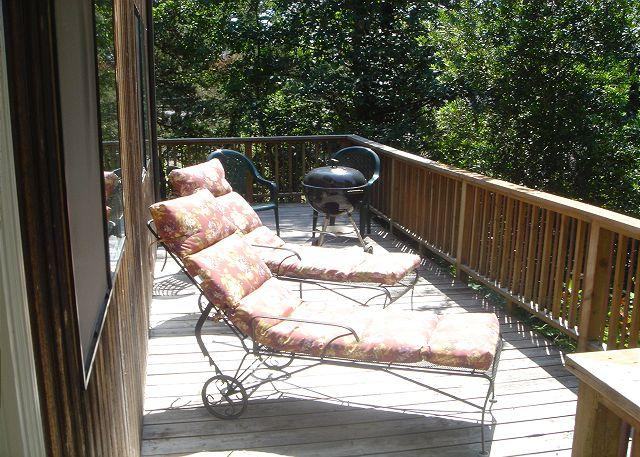 Little Apple Cottage Deck