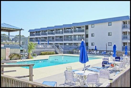 Savannah Beach and Racquet Club Pool - Beach and Racquet B305 - Tybee Island - rentals