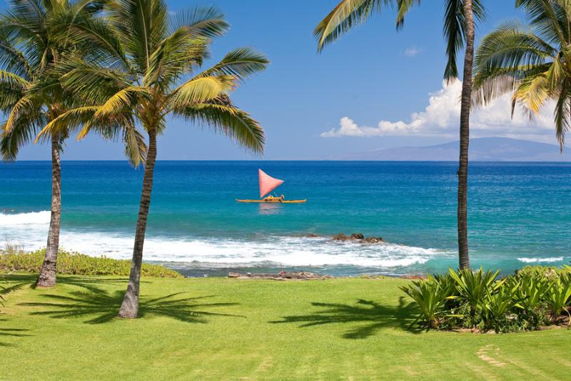Stunning Oceanfront Playground Right At Your Doorstep. Hire an authentic Sailing Canoe from the Fairmont Kealani Resort Nearby. - Wailea Sunset Bungalow - Wailea-Makena - rentals