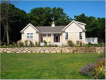1553 - GUEST HOUSE WITH STATE OF THE ART KITCHEN & NICE WATERVIEWS. - Image 1 - Aquinnah - rentals