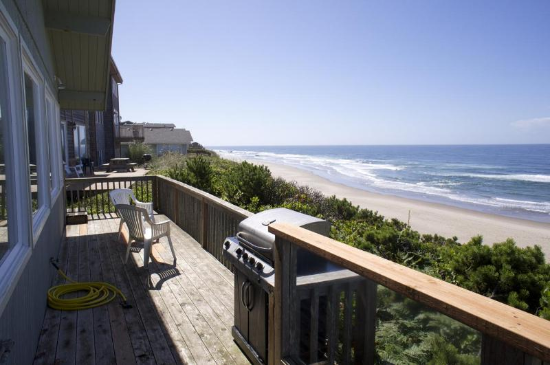 Spectacular oceanfront vacation home in Lincoln City.