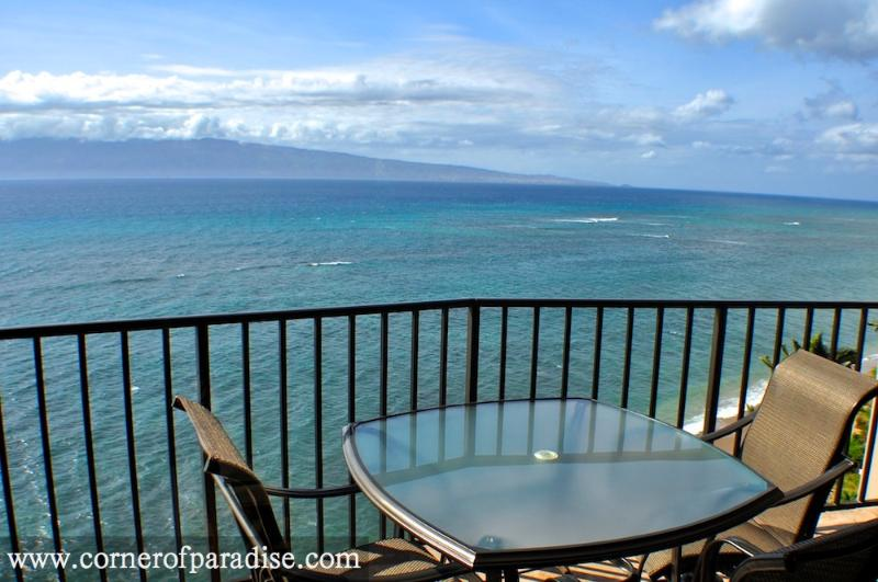 Valley Isle Resort #1010 - Oceanfront Corner Unit - Image 1 - Kahana - rentals