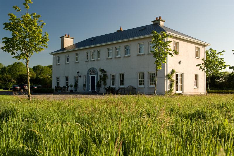 Rathellen House, Tipperary, IRELAND