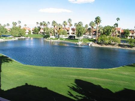 Comfortable 2 Bedroom & 3 Bathroom Condo in La Quinta (207LQ) - Image 1 - La Quinta - rentals