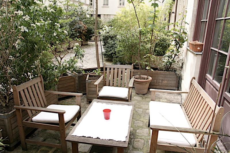 Private Courtyard for Apartment for personal enjoyment and extra space