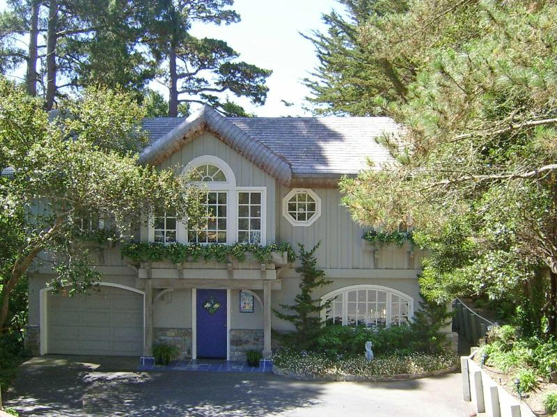 Out of the Blue in beautiful Carmel-by-the-Sea