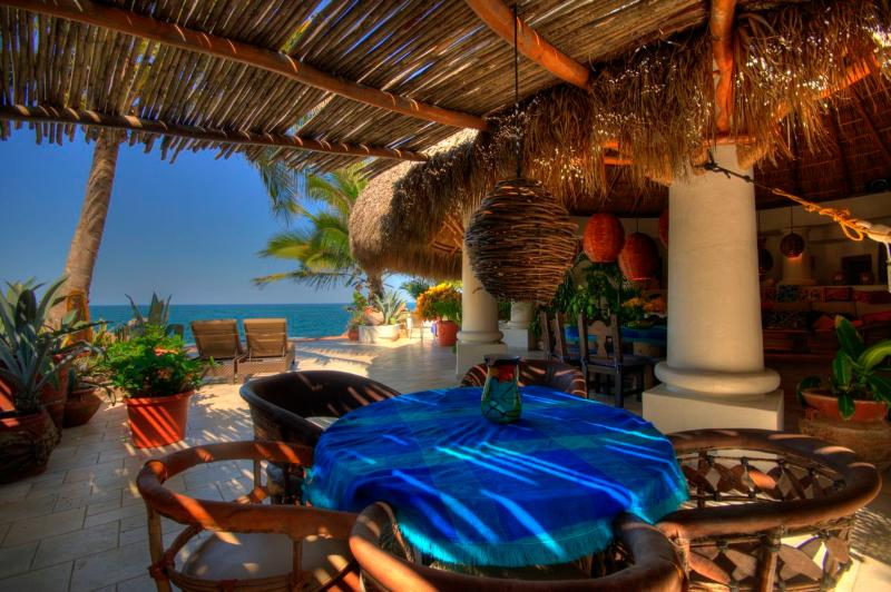 Shaded Breakfast nook - Villa Estrella stunning ocean 3 side near Sayulita - Platanitos - rentals
