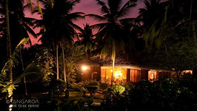 Romance and Privacy - Tangaroa, The Teak House - Tangalle - rentals