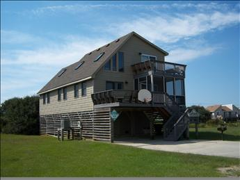 WPM %35105 Atlantic Escape is located on the 4th lot from the beach in Kitty Hawk