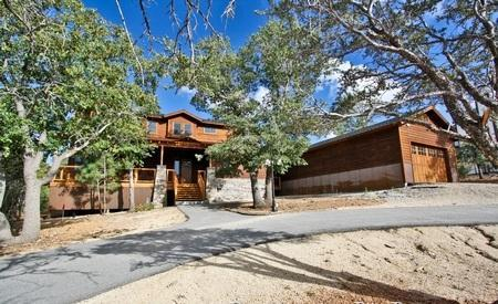 Incredible log cabin with modern amenities.