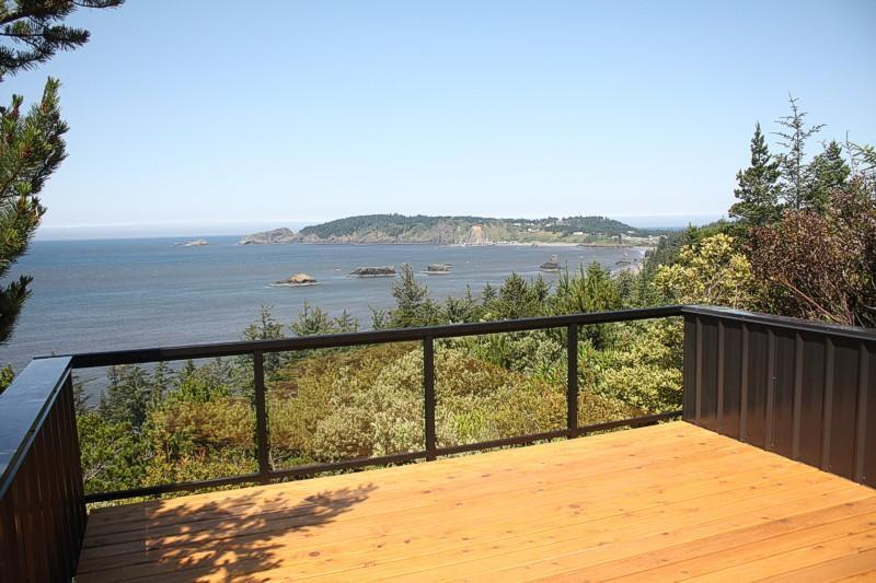 The view from the deck... - The Muse Guest House - Port Orford - rentals