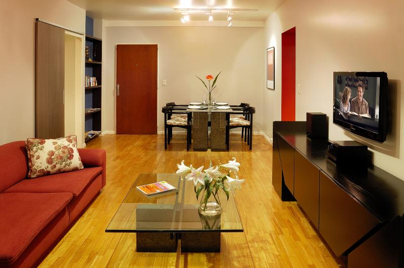 Caption for Living room to entrance