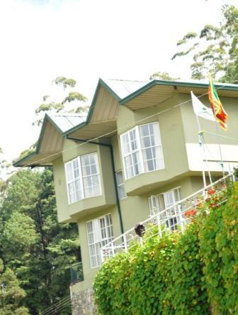 Nestled in the heart of Nuwara Eliya lies a luxurious bungalow with 4 bedrooms - Spring Acre-TripAdvisor Certificate of Excellence - Nuwara Eliya - rentals