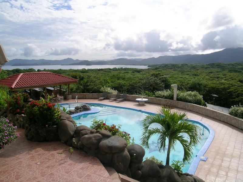 Pool with view of Tamerindo and Playa Conchal