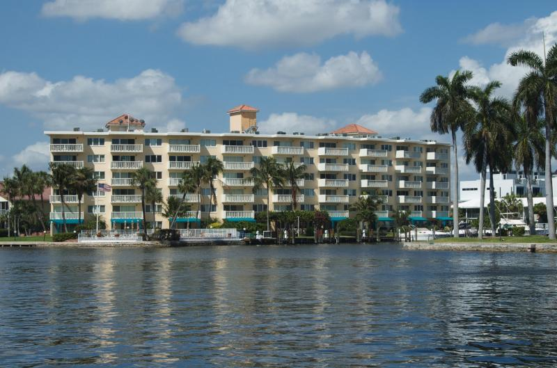 Yacht Club Condo on the Intracoastal