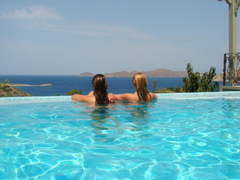 Private Pool with Fantastic Views