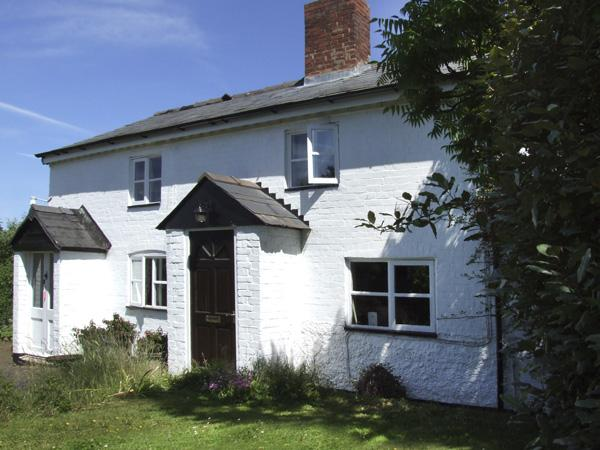 1 LYNDALE COTTAGES, pet friendly, character holiday cottage, with a garden in Kingstone, Ref 4130 - Image 1 - Kingstone - rentals