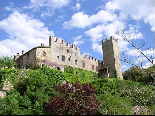 Montalto Castle - Torre del Vescovo is the wing on the right, with the original watchtower