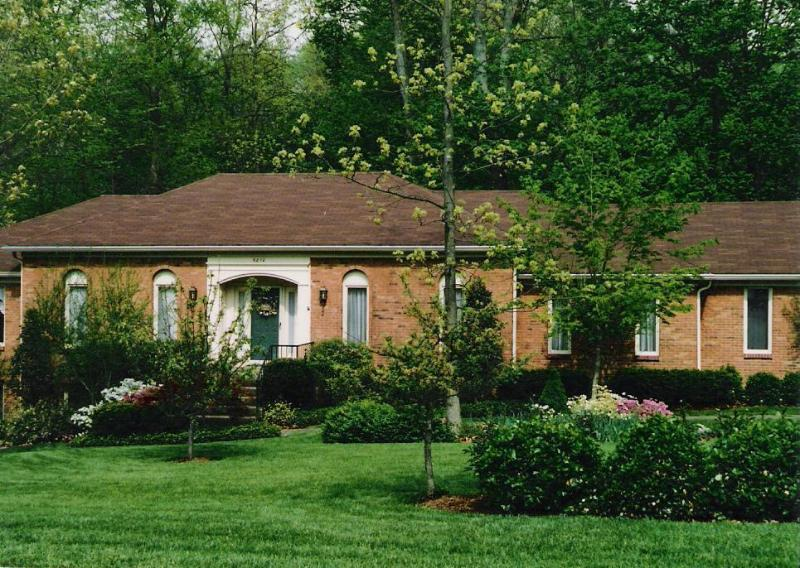 Late Spring view of home - Awesome Home in the Heart of Bluegrass Country - Louisville - rentals