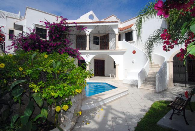Private 5 bedroom, 5 bath Cozumel Villa