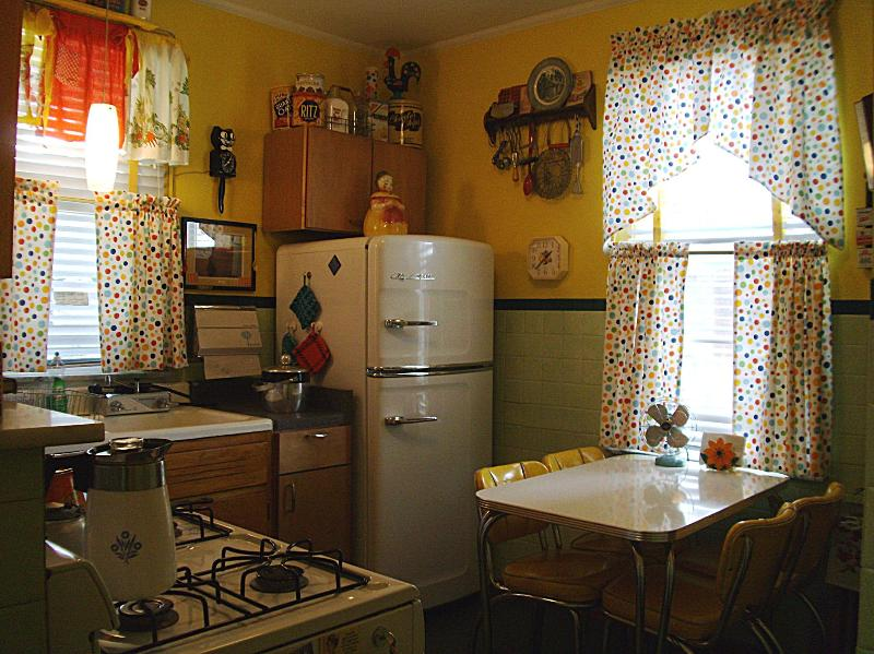 Nifty 50s Kitchen