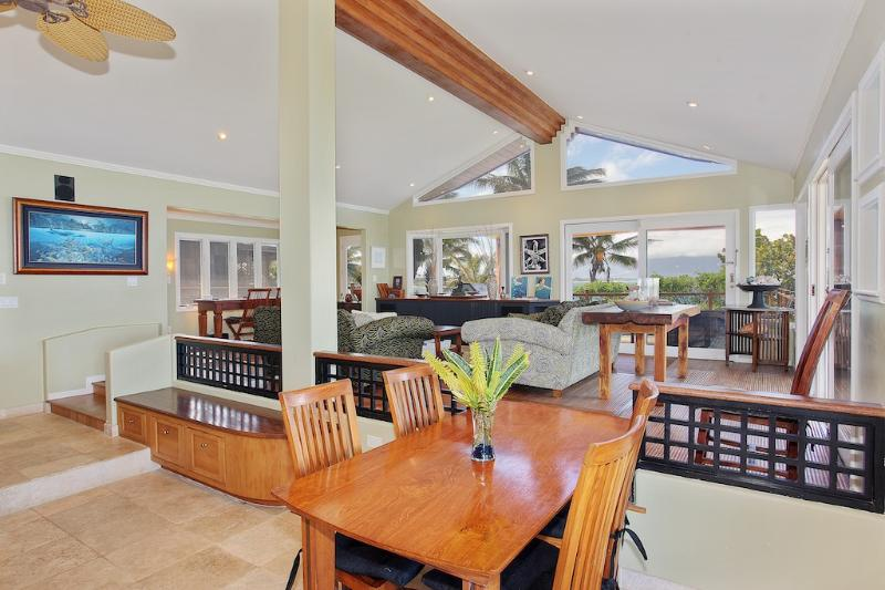 Custom interiors and all views to the ocean Perfect for a family gatherings