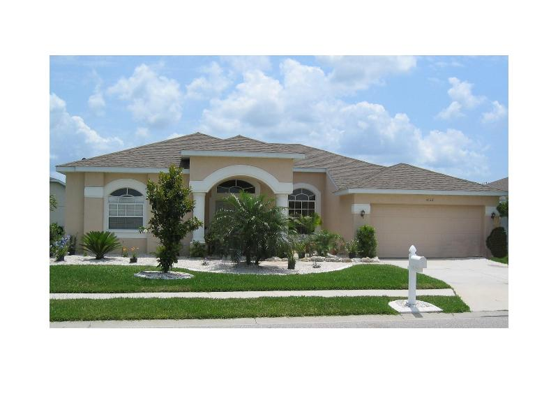 Villa Frontage - Luxury 4 bed 3 bath Villa with south facing pool. - Bradenton - rentals