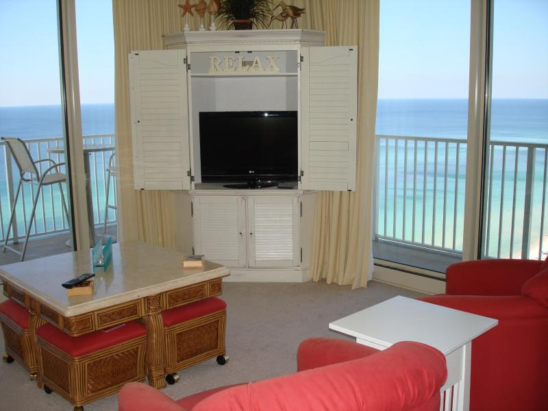 living room with wrap around balcony - *August Specials going on now * Email for rates - Panama City Beach - rentals