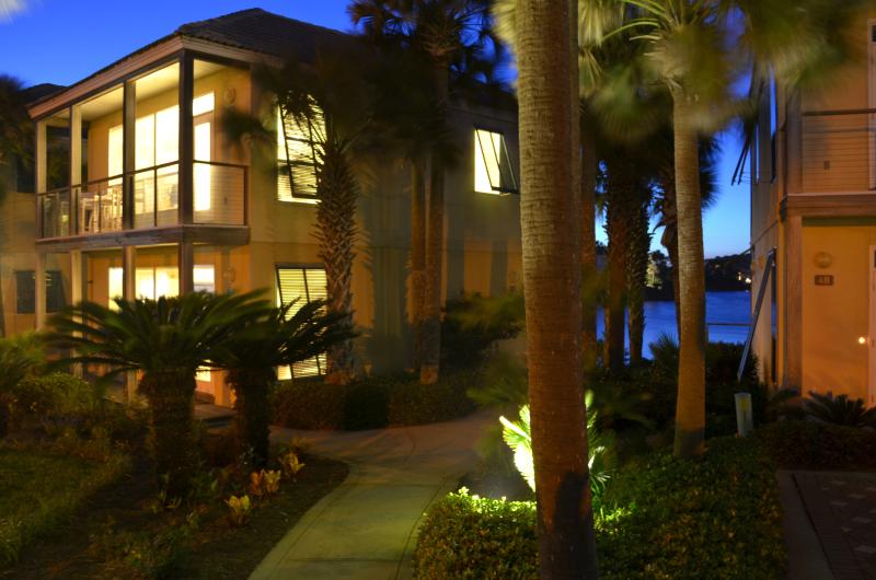 Incredible views of Gulf and Lake Destiny from this Villa!