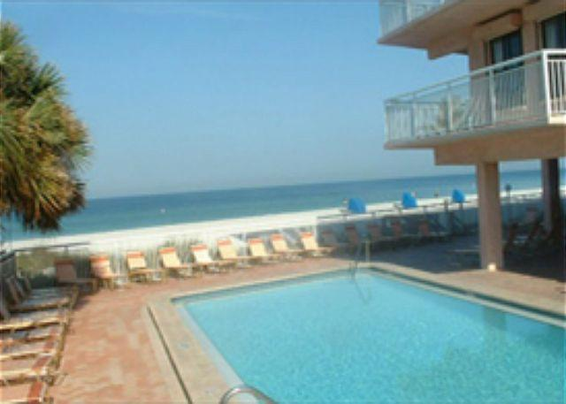 Chateaux Condominium 101 - Image 1 - Indian Shores - rentals