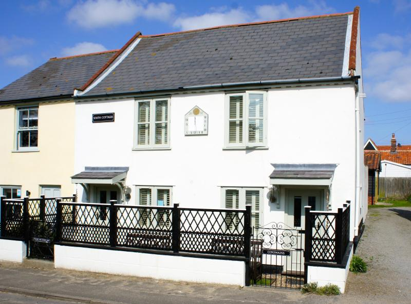 Coxswain's Cottage - Self Catering in Thorpeness just 100m from the beach!