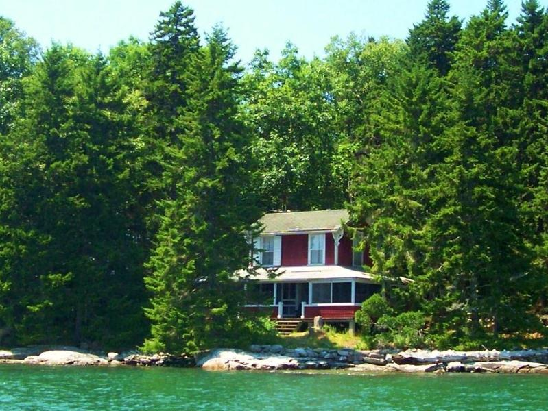 The Cottage is right on the shore.