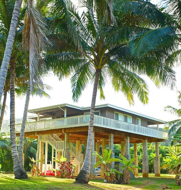 Elevated Moloa'a Stream Side Beach House