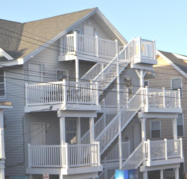 Completely renovated 2013 - Old Town Apt - 8th St. Ocean Side - Renovated 2013 - Ocean City - rentals