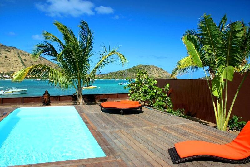 Private Pool and deck, facing Pinel island - Private beach, stylish 3 BR villa, View Pinel Isle - Cul de Sac - rentals