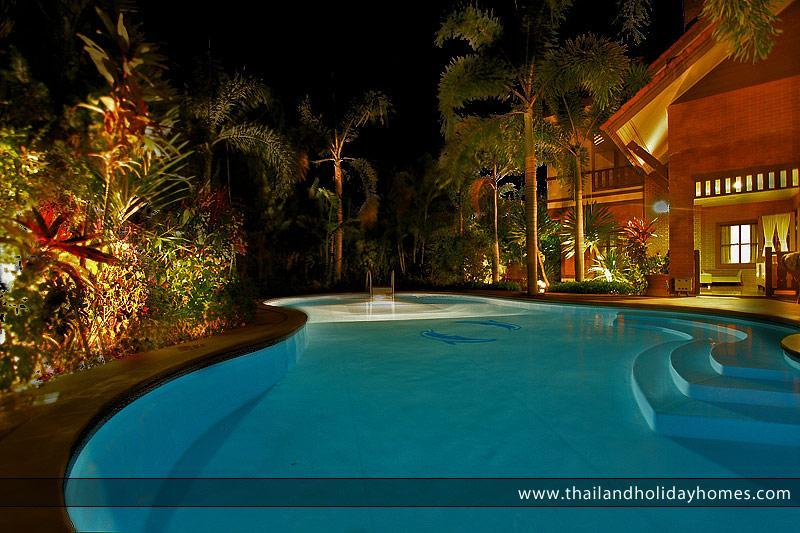 Magnificent Villa with Private Swimming Pool