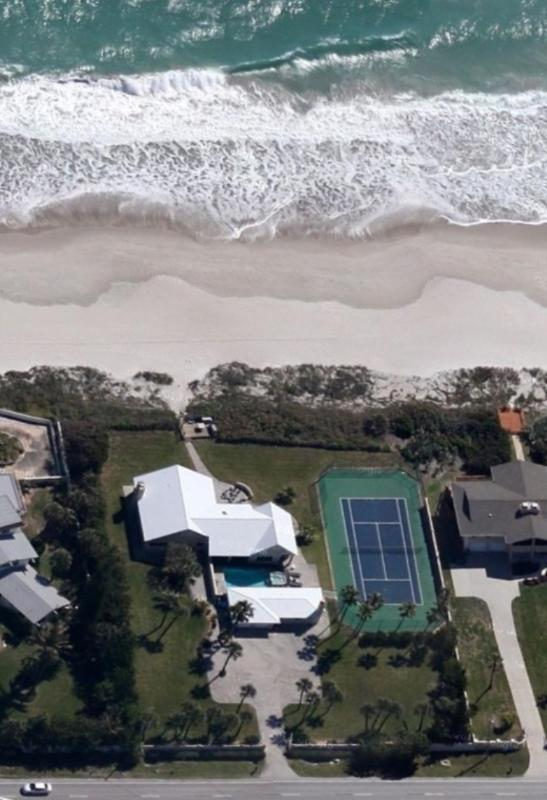 GOLDEN SANDS® EMERALD Beachfront Tennis Court Pool - Image 1 - Melbourne Beach - rentals