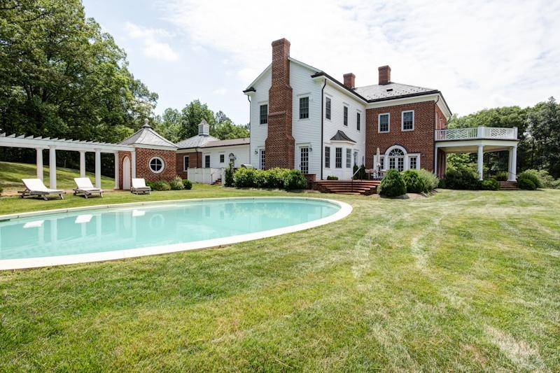 Estate view with private pool