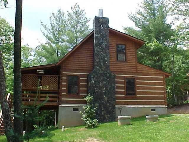Mountain Laurel Cabin - Log Cabin With View of Creek