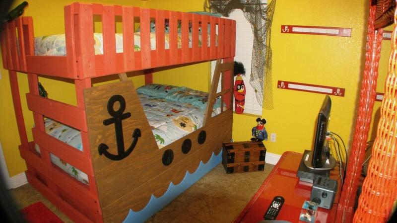 The Pirate Bedroom!