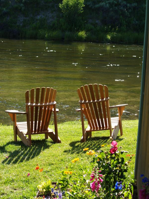 Guests can enjoy the peaceful serenity of Flat Creek.