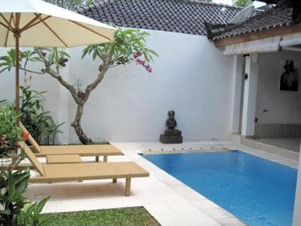Dipping pool and sun terrace